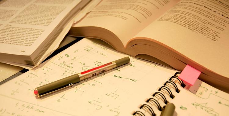 Programarea examenelor și a restanțelor - semestrul II - 2014/2015